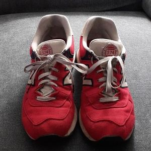 New Balance 574 US 10 Athletic Sneakers Mens